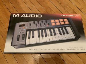 M Audio Oxygen 25 Mk IV for Sale in Chicago, IL