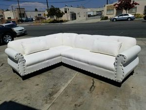 NEW 7X9FT CLYDE WHITE FABRIC SECTIONAL COUCHES for Sale in Paradise, NV