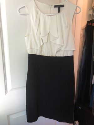 BCBG size 4 women's dress clothes for Sale in Wood Dale, IL
