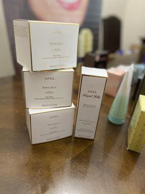 Buscas productos de jafra a buen precio contactame for Sale in Corona, CA