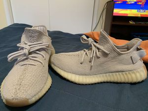 Yeezy sesame size 8 1/2 for Sale in Dinuba, CA