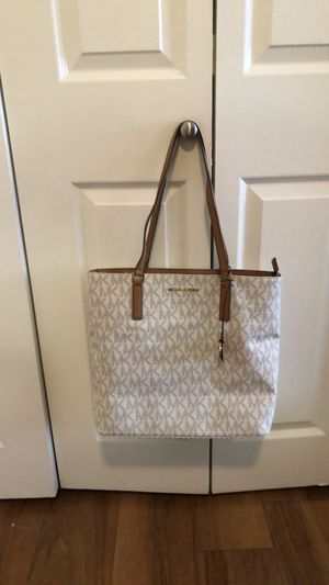 Michael Kors shoulder bag for Sale in Oceanside, CA