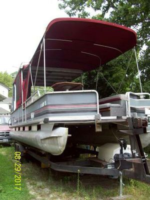 length overall (LOA): 28  propulsion type: power  1990 pontoon boat 90hp motor and tandom axle trailer for Sale in Davenport, IA