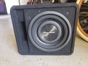 """Alpine Subwoofer 12"""" 1500 Watts in a ported box Kicker Dual Coil 2 ohms in good condition for Sale in Belle Isle, FL"""