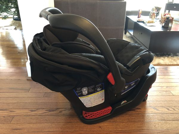 Britax B-Safe 35 Car Seat with Base