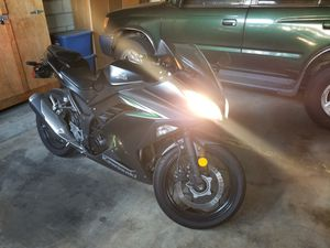 Kawasaki Ninja 300 ABS. 2016. for Sale in Los Angeles, CA