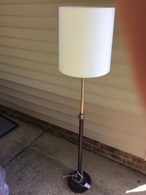 Standing lamp for Sale in Chesapeake, VA