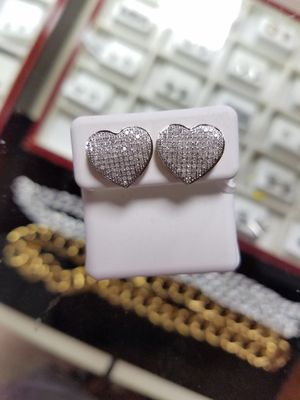 10k diamond earrings mothers day special for Sale in St. Louis, MO