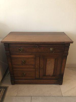 Charming antique cabinet for Sale in Pembroke Pines, FL