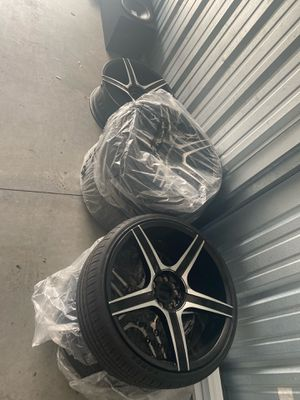 Rims with Tires 22''. Universal 5 Holes for Sale in Orlando, FL