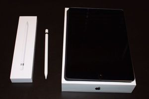 iPad Pro 64GB for Sale in Los Angeles, CA