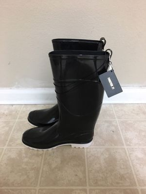 Forever 21 rain boots size US 10 for Sale in Durham, NC