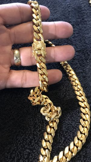 Stainless steel chain for Sale in Kissimmee, FL