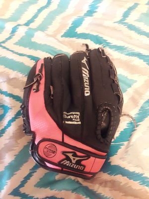 Baseball Glove for Sale in Lincoln, RI