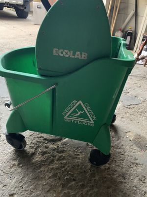 Bucket mop wringer for Sale in Cleveland, OH