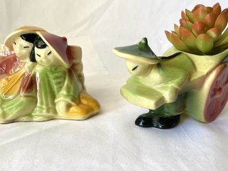 Vintage Shawnee Planters for Sale in Signal Hill,  CA