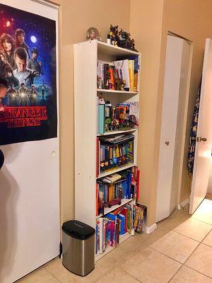 White Bookcase for Sale in Weston, FL