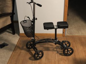 Knee scooter for Sale in Evansville, IN