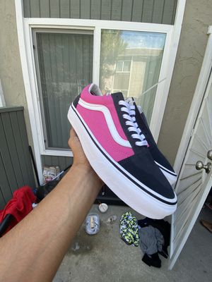 Classic Low Top Vans Pink/Grey/White BRAND NEW MEVER WORN for Sale in San Diego, CA