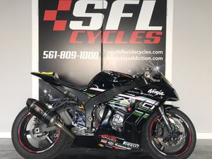 2013 Kawasaki ZX10r *PARTS* selling parts not bike for Sale in Boca Raton, FL