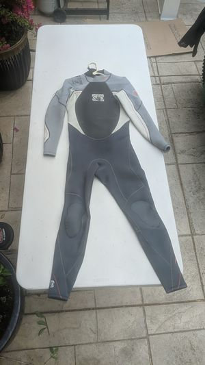 Body Glove crush 3:2 wetsuit for Sale in Watsonville, CA