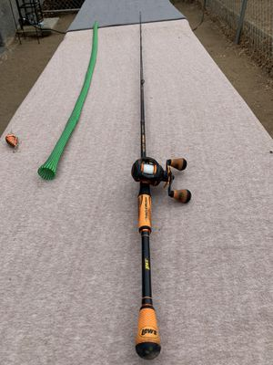Lews Mach Crush fishing rod combo for Sale in Riverside, CA