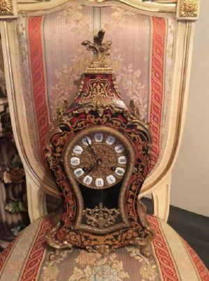 Free Antique Italian clock. French Baroque for Sale in Los Angeles, CA
