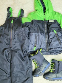 Toddler Snow Suit And Snow Boots for Sale in Portland,  OR