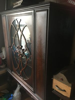 Antique cabinet for sale excellent condition $100 for Sale in Cleveland, OH
