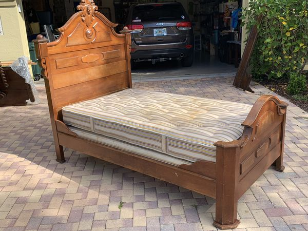 Antique Wooden Youth Bed