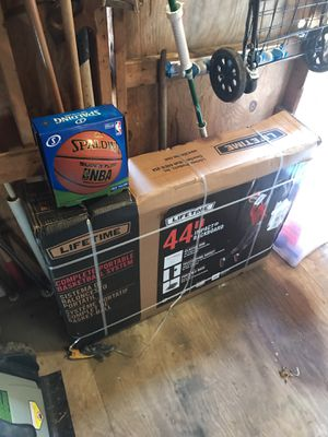 """44"""" basketball with ball for Sale in Hyattsville, MD"""