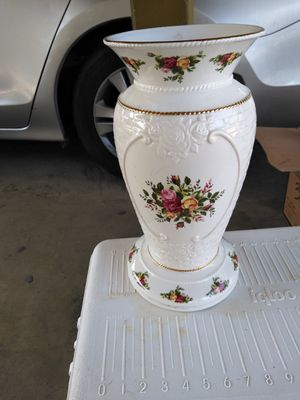 Beautiful flower base for Sale in Chino, CA