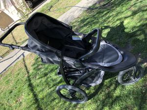 Graco FastAction jogger stroller+car seat for Sale in Livingston, CA