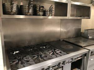 Busco 2 porsonas para janitor de noche de 4 o 5 horas 6 días al semana for Sale in Daly City, CA