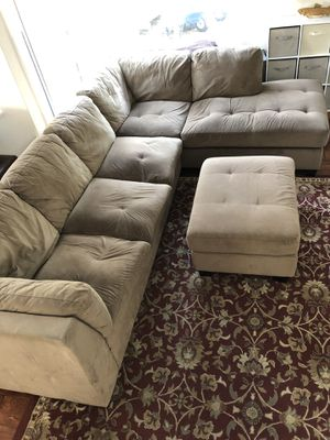 Free Sofa and Ottoman for Sale in Vallejo, CA