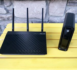 Asus rt-n66u router & Motorola surfboard 6121 for Sale in Romeoville, IL