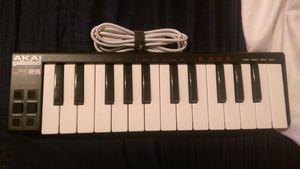 Akai LPK25: 25-Key Portable USB MIDI Keyboard for Sale in Aurora, CO