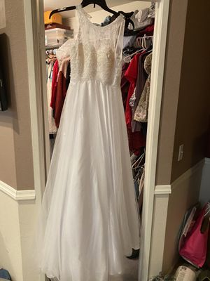 Wedding dress never used with garment bag for Sale in Ontario, CA