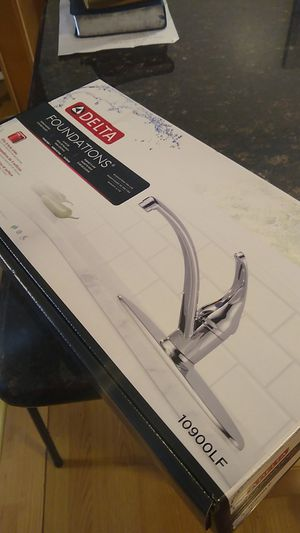 Kitchen Faucet (Delta) for Sale in Westerville, OH
