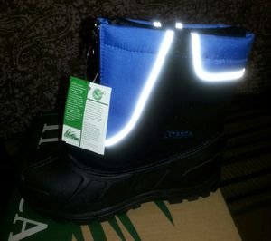 SNOW BOOTS NEW KIDS SIZE 13 IN THE BOX PAID 65 SELLING FOR HALF for Sale in Palmdale, CA
