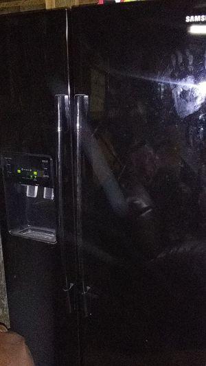 Samsung. Rs2530bbp refrigerator brand new for Sale in Wichita, KS