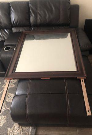 Dresser mirror for Sale in Tamarac, FL