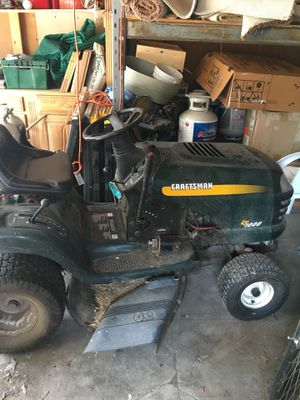 Gardening tractor craftsman LT1000 for Sale in Los Angeles, CA