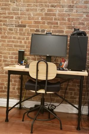 Kullaberg IKEA pine-top desk and chair for Sale in New York, NY