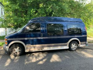 2001 Chevy Express 1500 for Sale in Philadelphia, PA