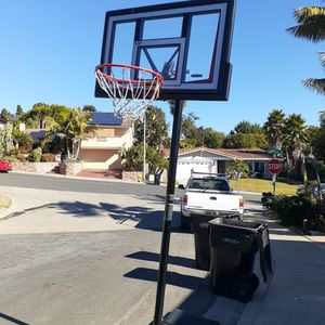portable basketball hoop lifetime 10' for Sale in San Diego, CA