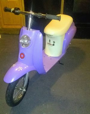 Girls electric razor scooter for Sale in Tampa, FL