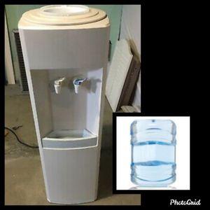 Water chiller w/ water bottle for Sale in Edmond, OK
