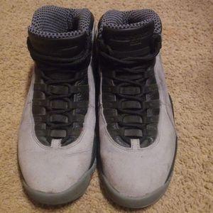 Jordans Size 9.5 for Sale in La Vergne, TN