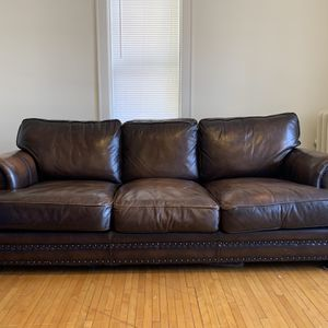 Great Used Condition Pottery Barn Leather Couch Nailhead Trim 4 Years Old for Sale in Minneapolis, MN